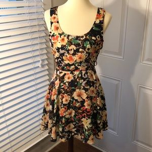 Lucca Couture size 0 floral dress. Never worn.